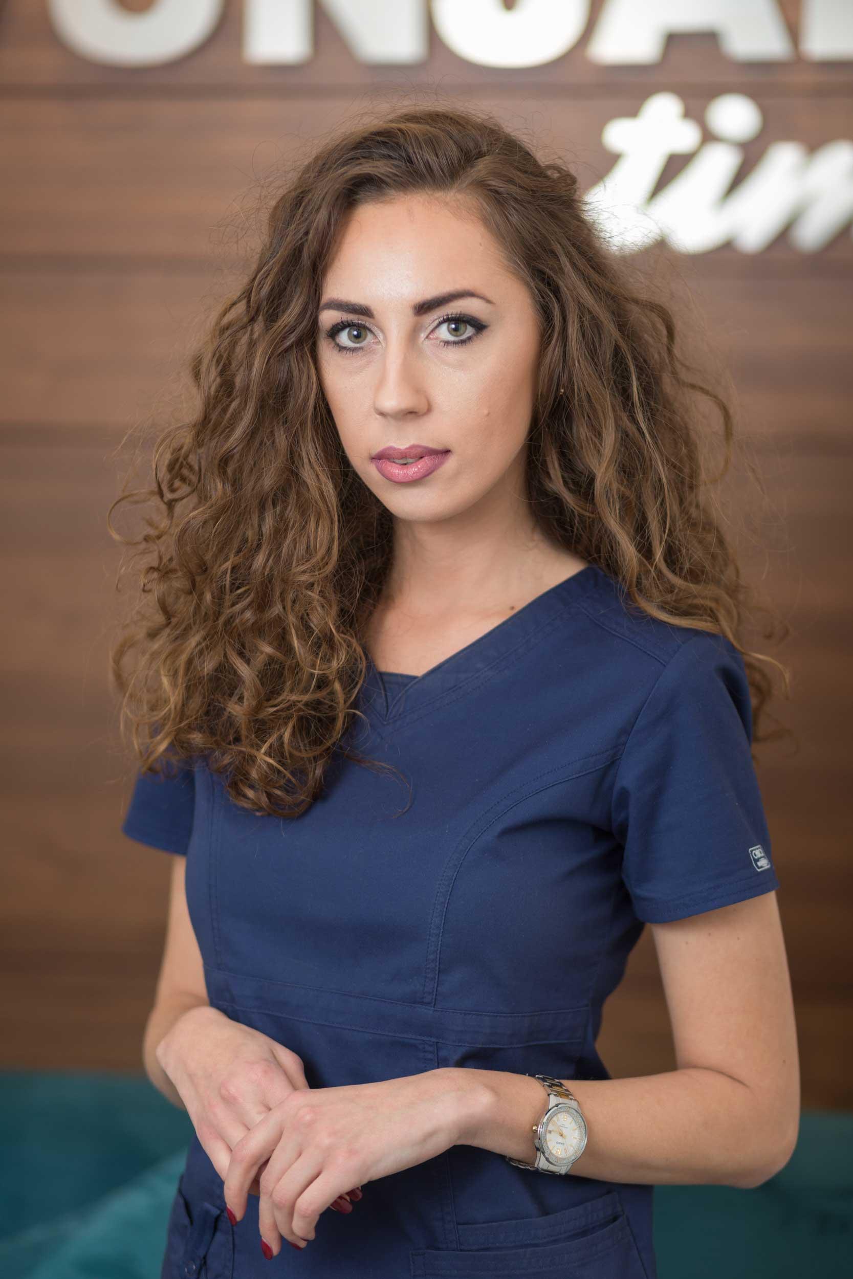 stomatoloska-ordinacija-vunjak-dental-clinic-sestra-jovana-andrejevic
