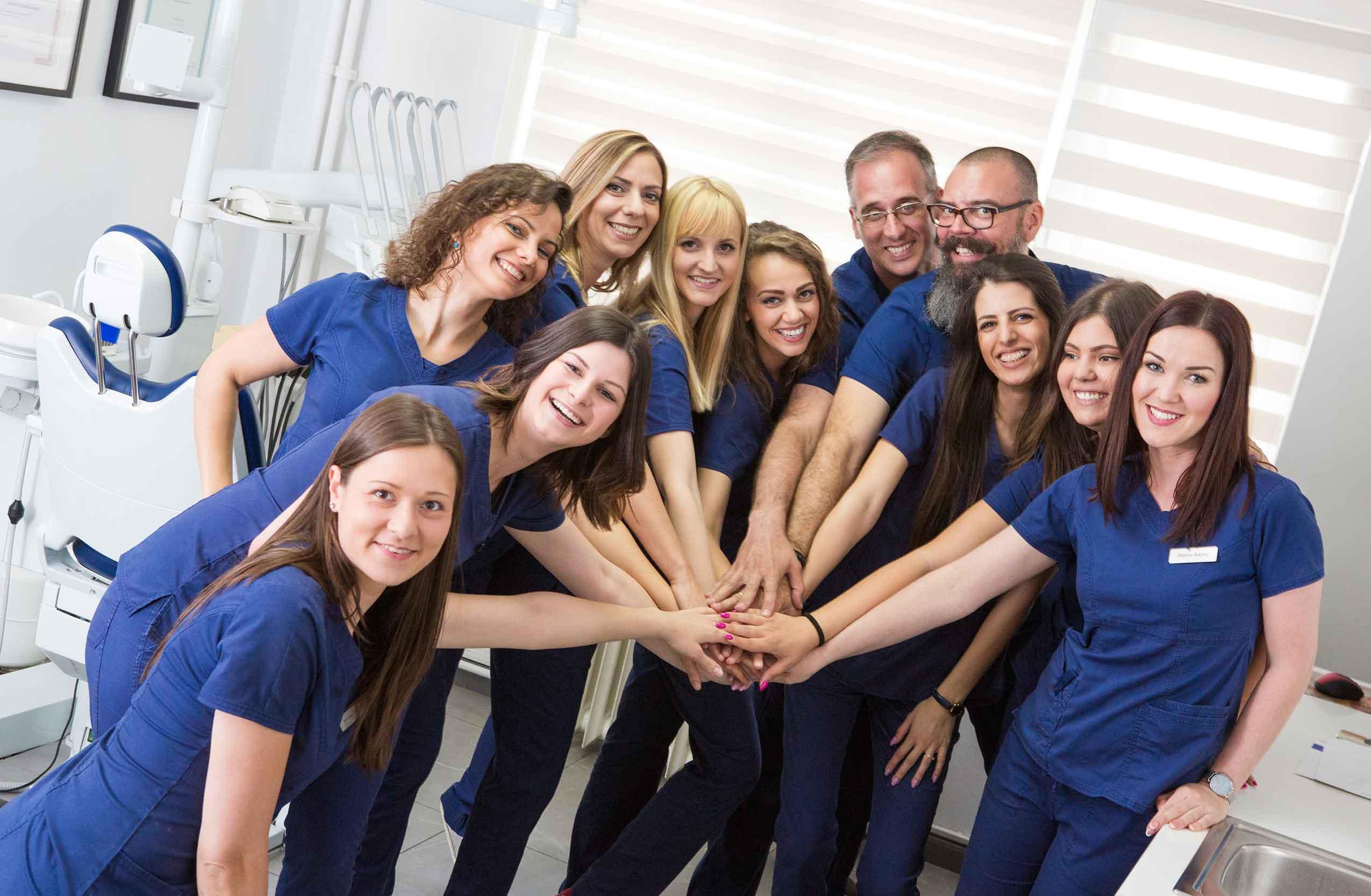 stomatoloska-ordinacija-vunjak-tim-nas-tim