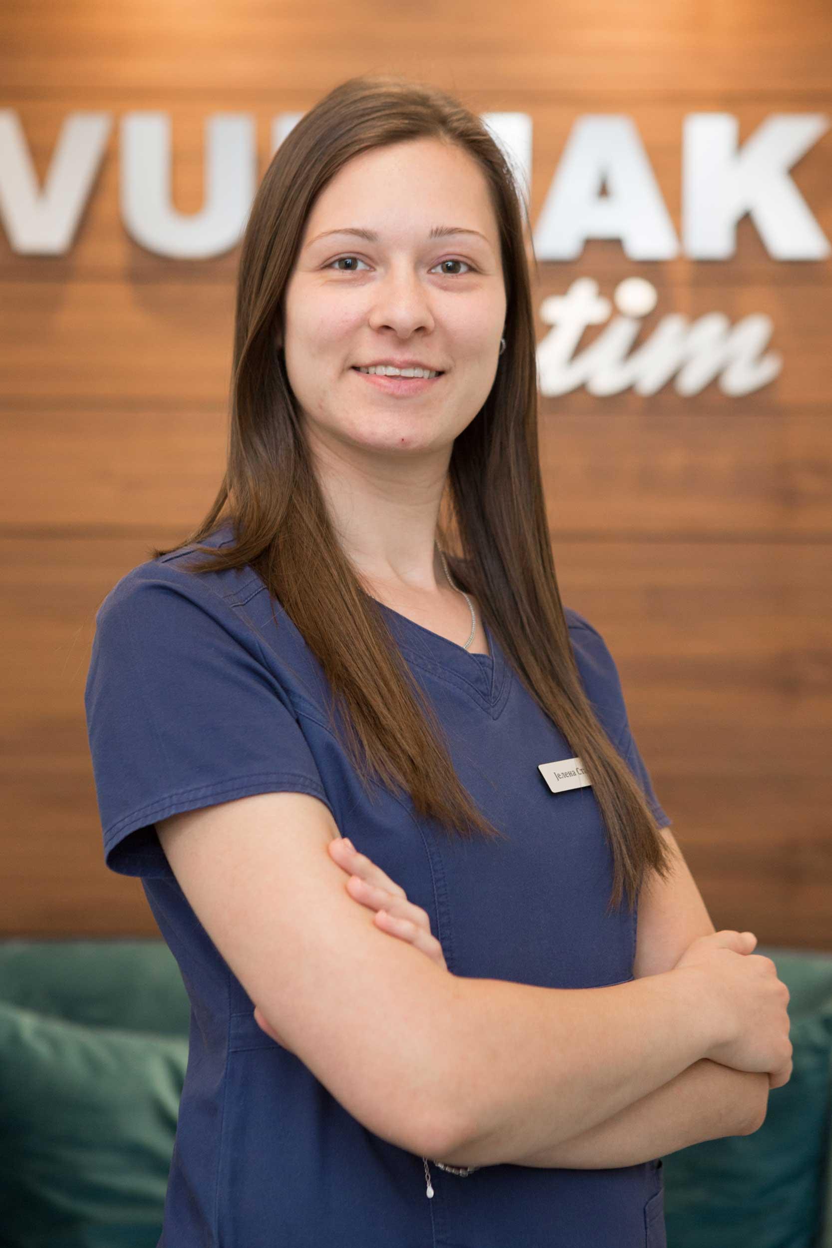stomatoloska-ordinacija-vunjak-tim-stomatoloska-sestra-jelena-stankic